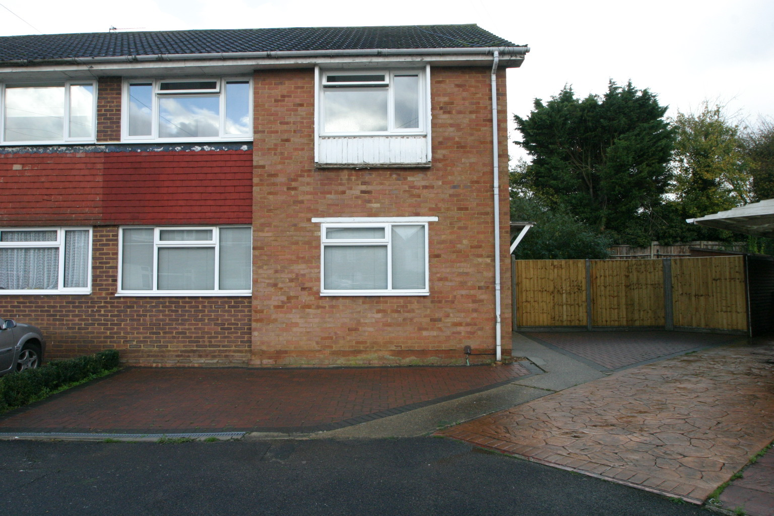 2 Bedroom Ground Floor Maisonette, Ashford