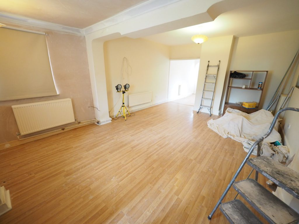 1 Bedroom Detached Bungalow, Staines