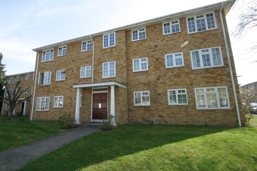 2 Bedroom Second Floor Apartment, Staines