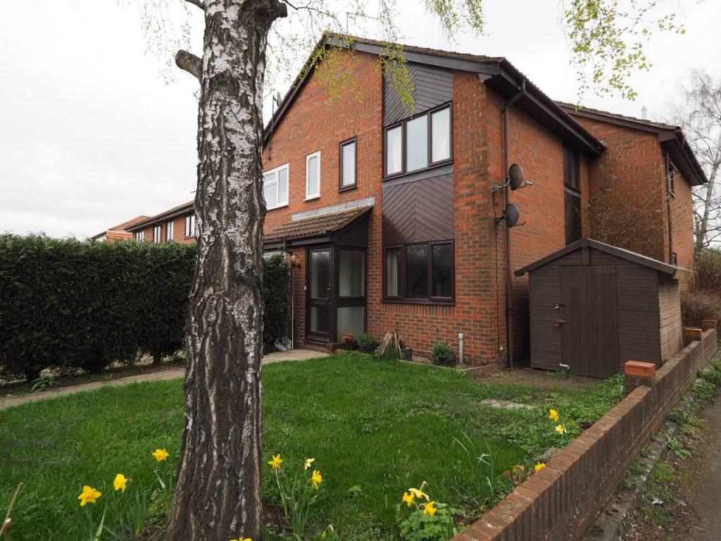 1 Bedroom Semi-Detached House, Sunbury