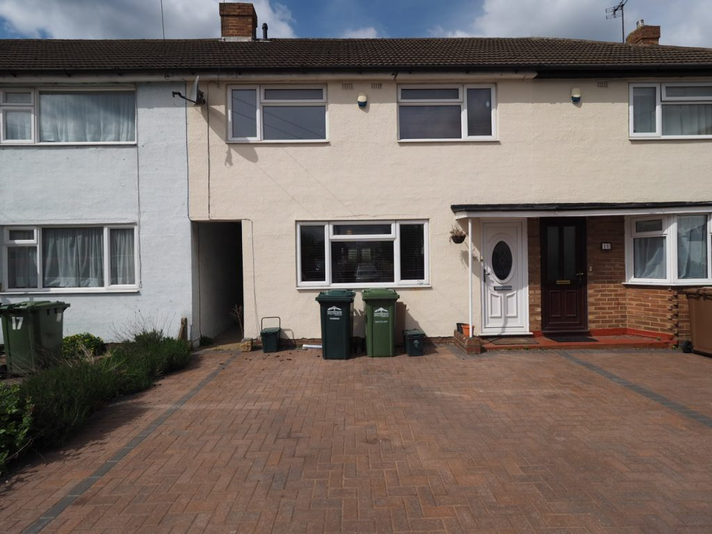3 Bedroom Terraced House, Staines
