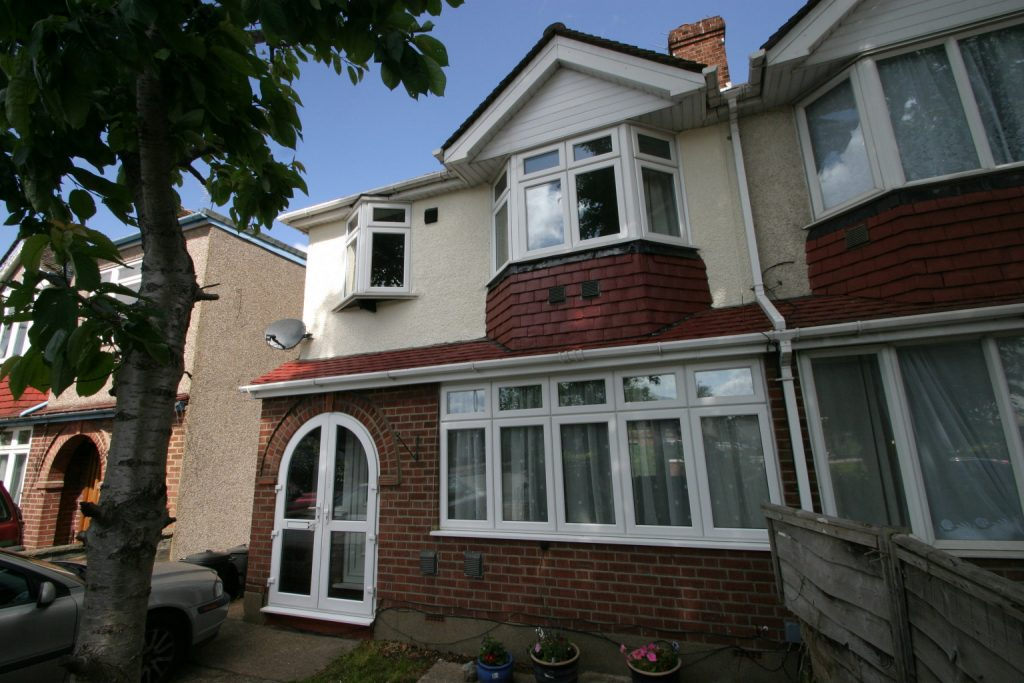 3 Bedroom Semi-Detached House, Feltham