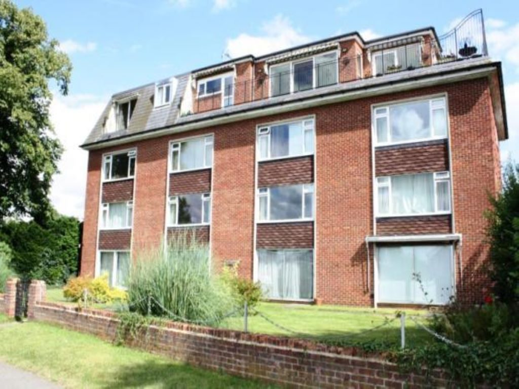 1 Bedroom Ground Floor Apartment, Staines